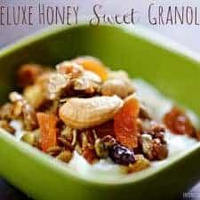 Deluxe Honey Sweet Granola