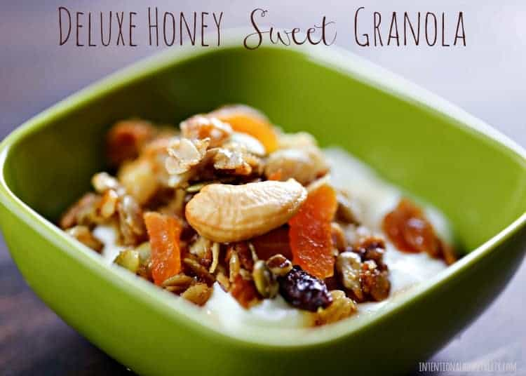 Deluxe Honey Sweet Granola