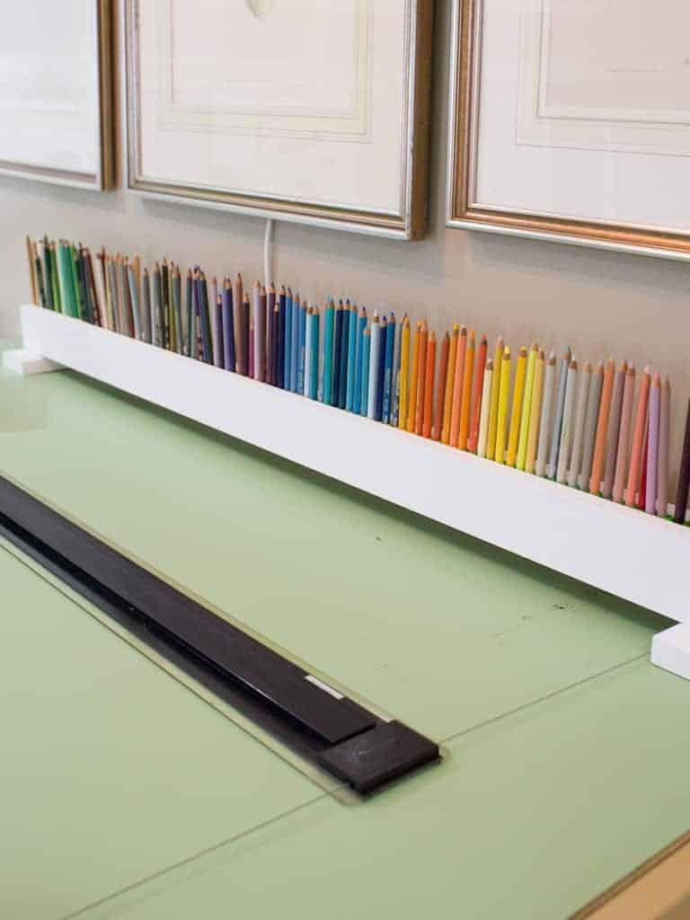 Homemade color pencil holder