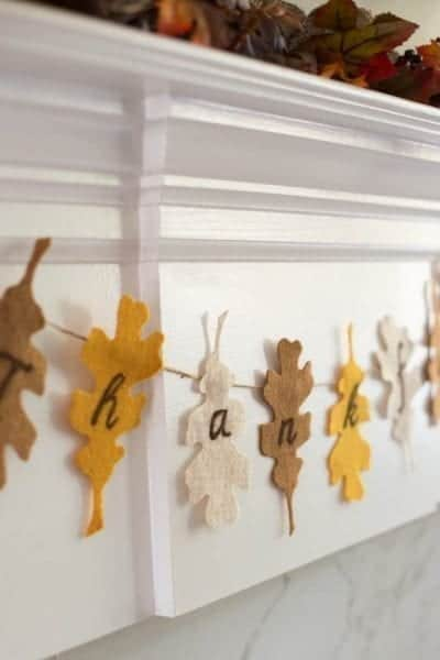 Create your own Thanksgiving Banner Craft with this free printable.