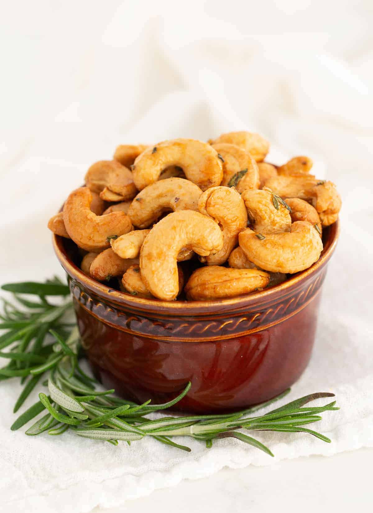 roasted cashews in a bowl