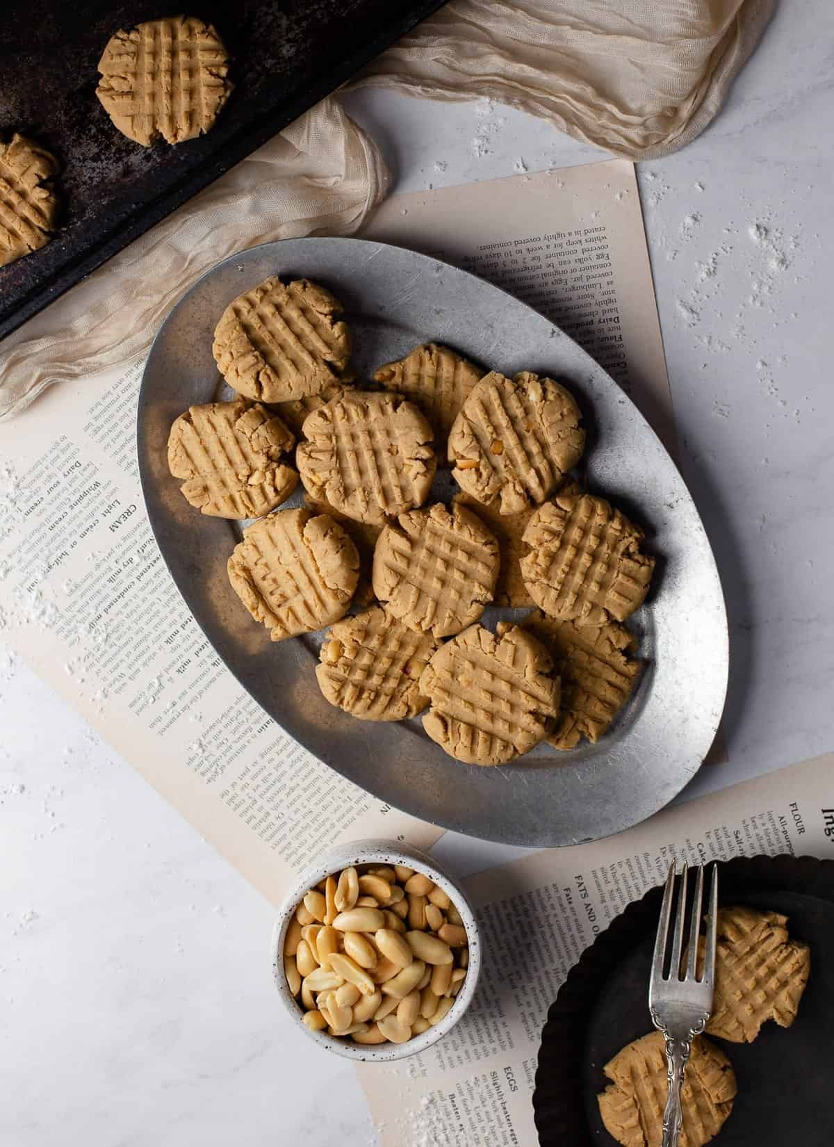 vegan peanutbutter cookies on a plate