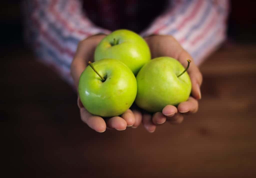 green apples for Drinks That Help With Nausea