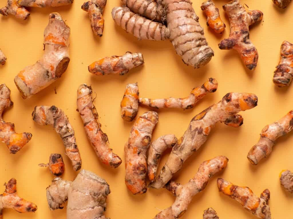 fresh turmeric for Drinks That Help With Nausea