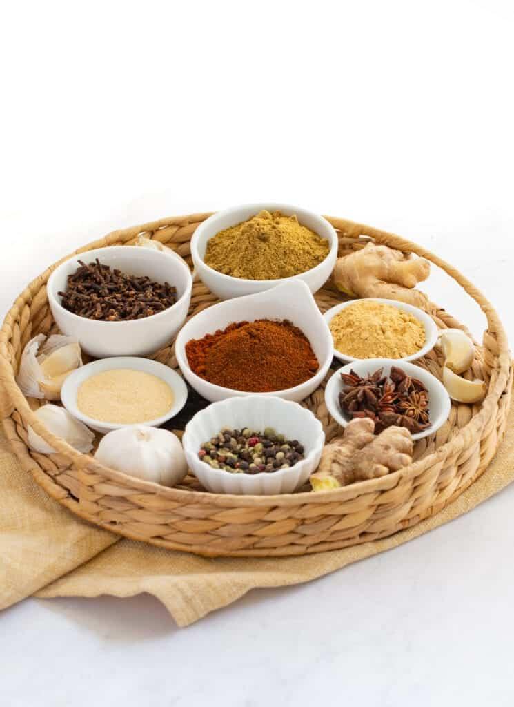 thai 7 spice ingredients in bowls